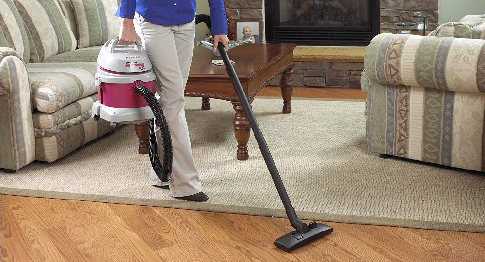 How does wet and dry vacuum cleaner work?