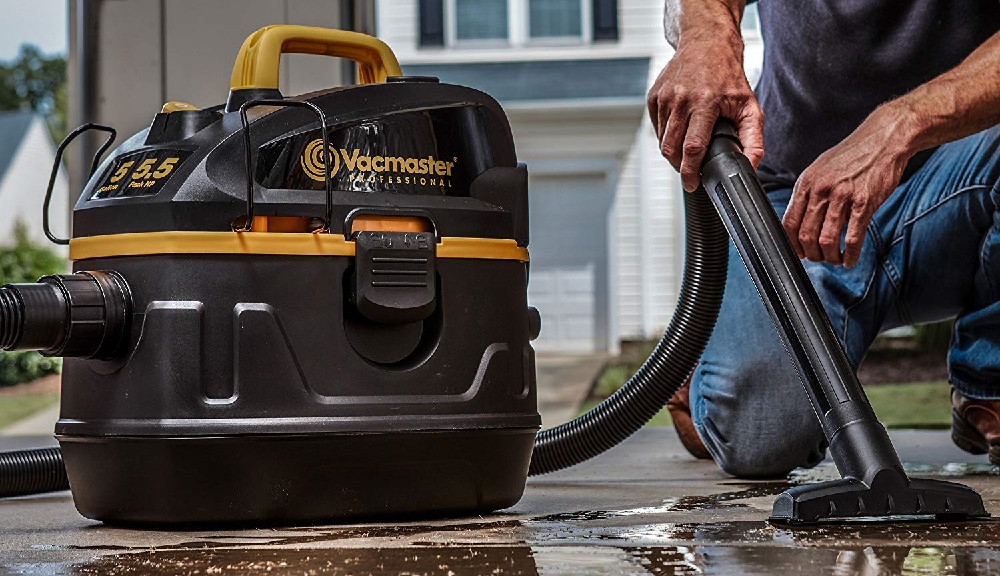 Can a wet dry vac pick up water?