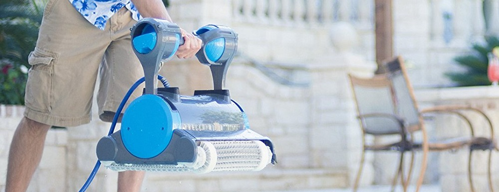 Dolphin vs. Polaris: Robotic Pool Cleaner Comparison