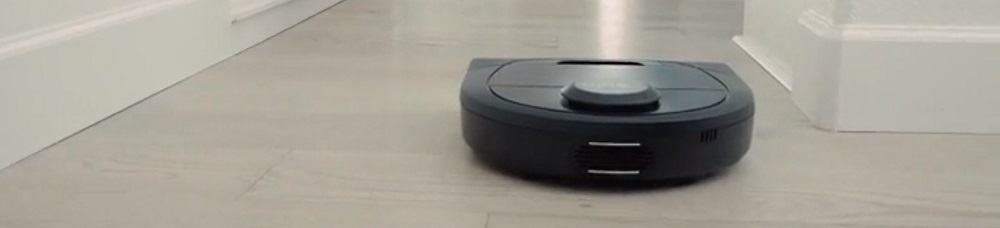 Neato Robotics D4 Connected Laser Guided Robot Vacuum