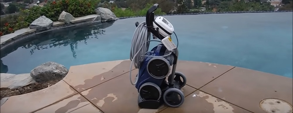 Polaris vs. Dolphin: Robotic Pool Cleaner Comparison