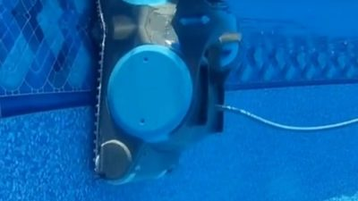 Best Robotic Pool Cleaner for Steps
