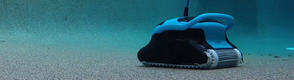 Robotic Pool Cleaner for Steps
