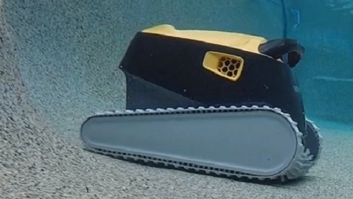 Best Robotic Pool Cleaners for Saltwater Pools