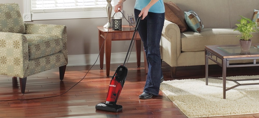 Eureka 2-in-1 Quick-up Bagless Stick Vacuum