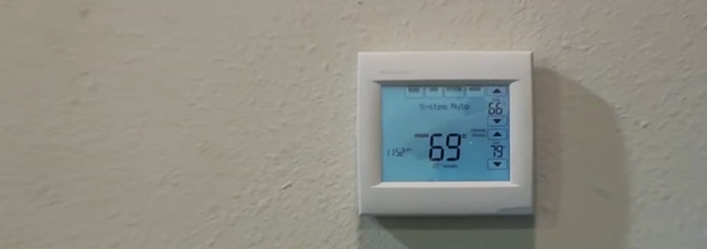 Honeywell TH8321WF1001 Smart Thermostat