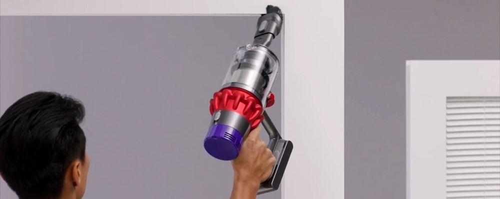 Dyson Cyclone V10 Stick Vacuum