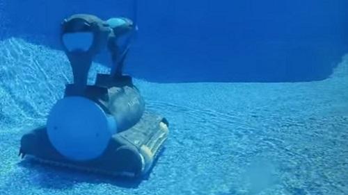 Dolphin Nautilus CC Plus vs. Dolphin Premier Robotic Pool Cleaners