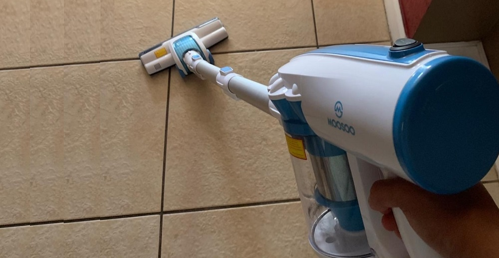 MOOSOO D601 Stick Vacuum Review