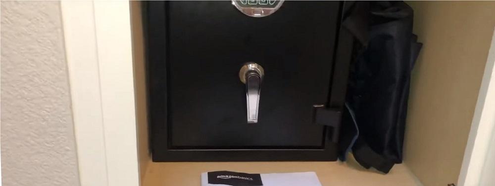 AmazonBasics Box Safe Review