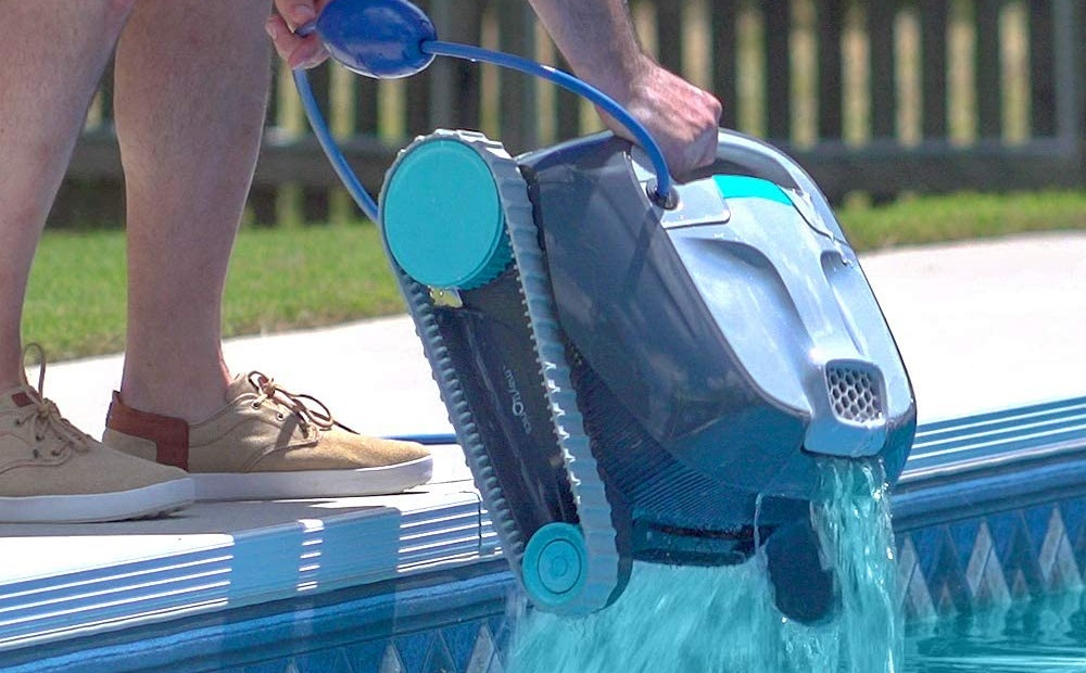 DOLPHIN Advantage Pool Cleaner