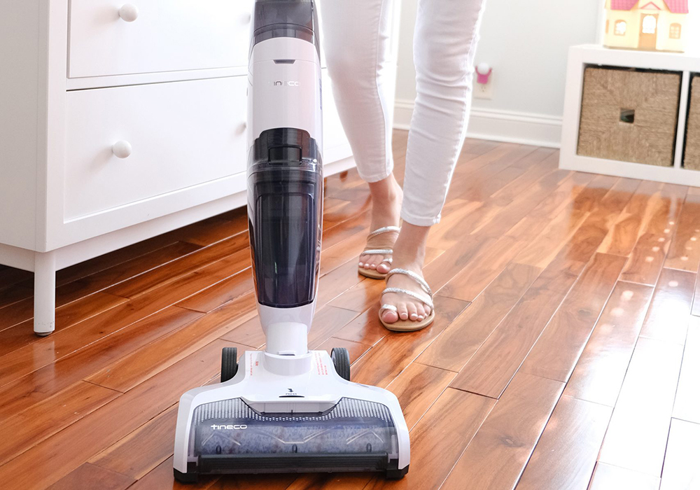 Tineco iFLOOR Cordless Wet Dry Vacuum Cleaner and Mop Review