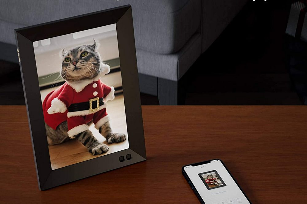 Nixplay Smart Digital Picture Frame Review