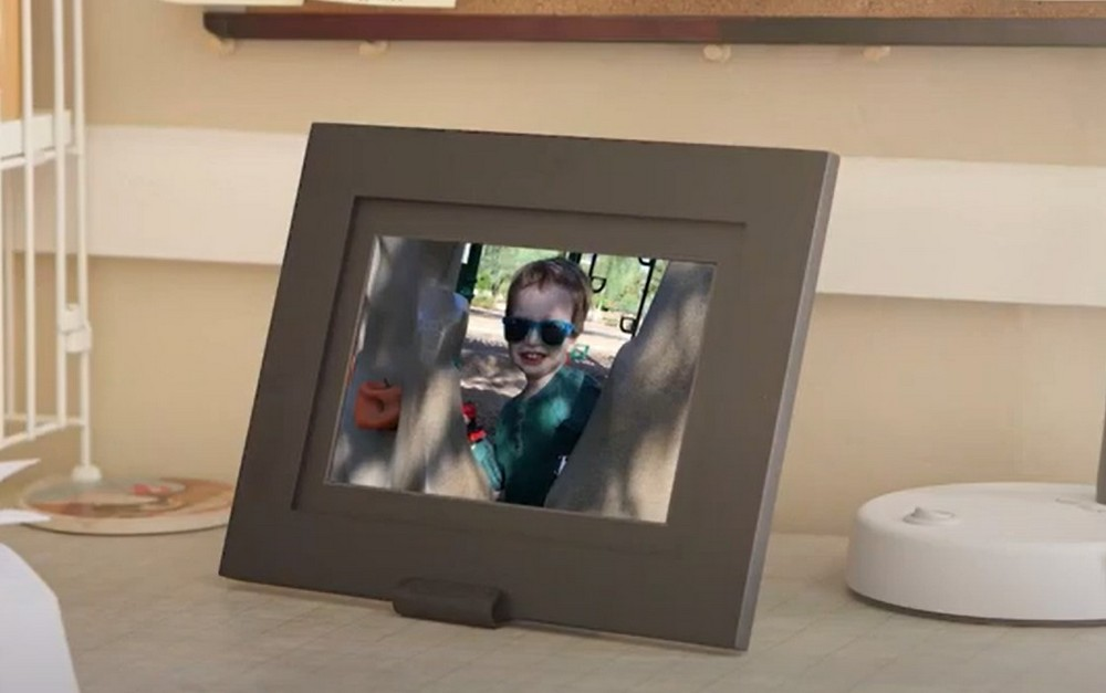 PhotoShare 8 inch Digital Picture Frame Review
