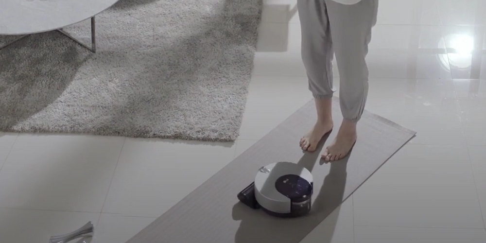 LG CordZero ThinQ Robot Vacuum