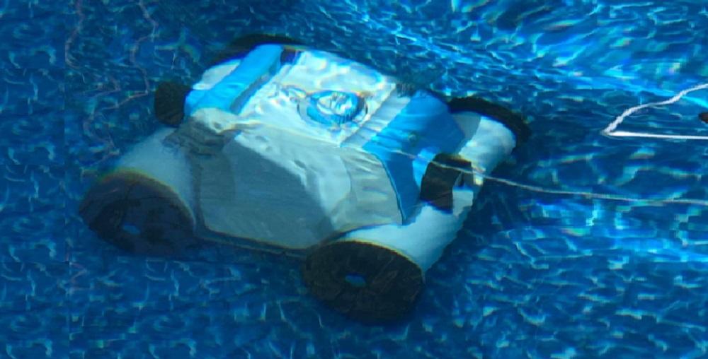 OT QOMOTOP Robotic Pool Cleaner Review